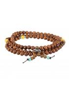 Malas, tibetischer Rosenkranz und Armbänder